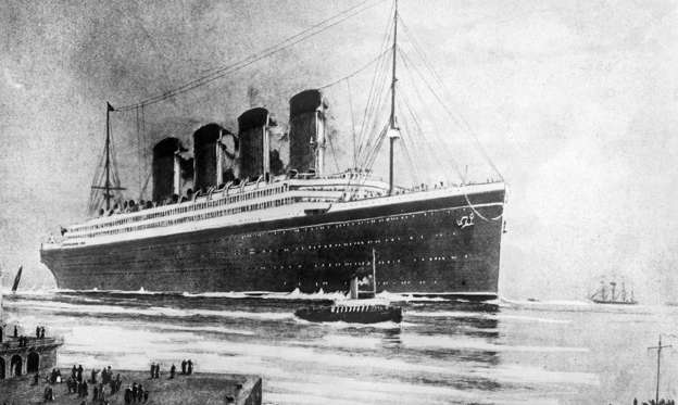 圖片 1 /共 21 張: The White Star Line passenger liner R.M.S. Titanic embarking on its ill-fated maiden voyage.