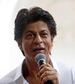 "Shah Rukh praises ""Bulleya"" song"