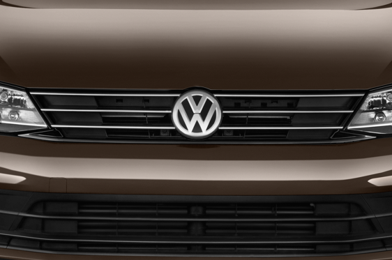 Slide 1 of 24: 2015 Volkswagen Jetta