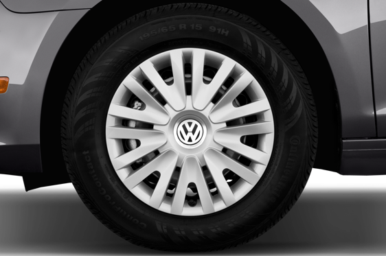 Slide 1 of 25: 2011 Volkswagen Golf