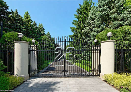 The gate at the front of Michael Jordan's estate.