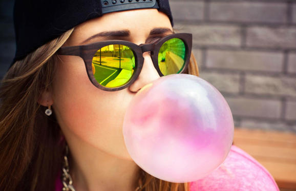 It's not your typical healthy ingredient or superfood but a 2013 study published in the British Journal of Psychology found that participant's short-term memory was sharpened while chewing gum. The reason? Chewing gum increased oxygen flow to the parts of the brain that make us pay attention.