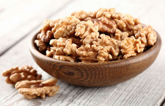 A study published in the American Journal of Epidemiology suggests that consuming vitamin E can help prevent cognitive decline, particularly in the elderly. Nuts, like almonds and walnuts, are an excellent source of vitamin E so why not make them part of your afternoon snack?