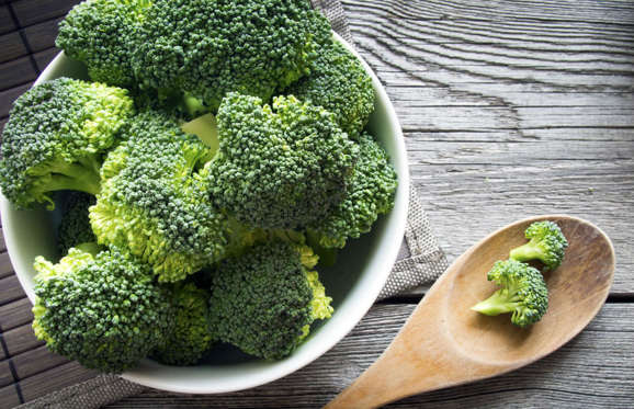 A 2015 US study found that vitamin K, can enhance cognitive function and improve brainpower and broccoli is full of it! Researchers found that broccoli is also high in glucosinolates, which can slow the breakdown of the neurotransmitter, acetylcholine, which we need for the central nervous system to perform properly and keep our memories sharp.