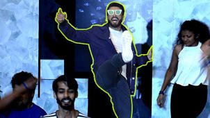 Watch Ranveer Singh ELECTRIFYING Performance At A Mall