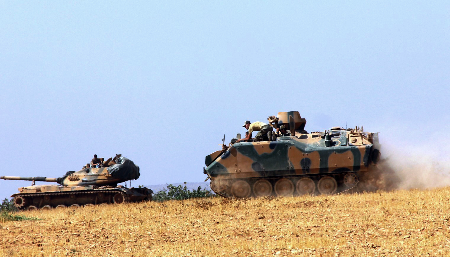 Turkey in cross-border operation to free IS-held Syrian town