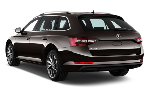 Slide 2 of 14: 2016 Skoda Superb