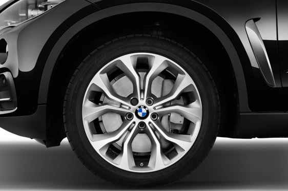 Slide 1 of 25: 2016 BMW X6