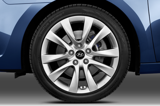Slide 1 of 25: 2014 Hyundai i40