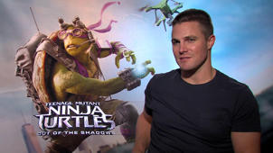 """Teenage Mutant Ninja Turtles 2"": Stephen Amell im Interview"