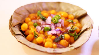 Popular street food of India: Ghugni Chaat