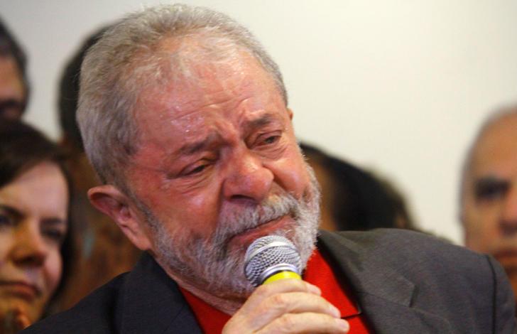O ex-presidente Luiz Inácio Lula da Silva concede entrevista coletiva sobre a denúncia do Ministério Público Federal
