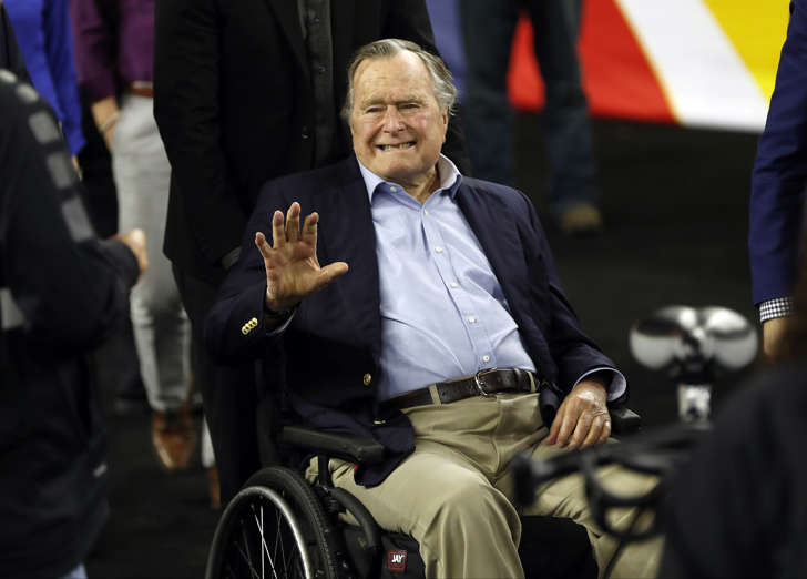 George H W Bush 'voting for Hillary', claims member of Kennedy family