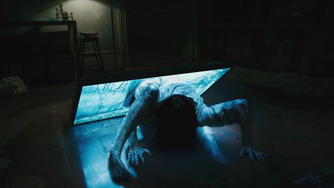 Slide 6 dari 13: Bonnie Morgan as Samara in RINGS by Paramount Pictures.