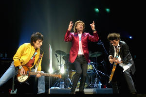 SYDNEY, AUSTRALIA - FEBRUARY 22:  (L-R)  Members of the Rolling Stones, Ronnie Woods, Mick Jagger and Keith Richards, perform live on stage at the Sydney Superdome February 22, 2003 in Sydney, Australia. The Rolling Stones will play in three major Austra