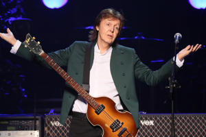 TOKYO, JAPAN - APRIL 28:  Paul McCartney performs live at the Budokan on April 28, 2015 in Tokyo, Japan.  (Photo by Ken Ishii/Getty Images)