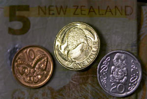 Kiwi heads for weekly fall vs. greenback
