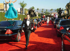 Host Jimmy Fallon arrives to present the 74th Annual Golden Globe Awards show in Beverly Hills, California, U.S., January 8, 2017 in this handout provided by NBC.  Chris Haston/Courtesy of NBC/Handout via REUTERS   ATTENTION EDITORS - THIS IMAGE WAS PROVIDED BY A THIRD PARTY. NO RESALES. NO ARCHIVE. For editorial use only. Additional clearance required for commercial or promotional use, contact your local office for assistance. Any commercial or promotional use of NBCUniversal content requires NBCUniversal's prior written consent. No book publishing without prior approval.