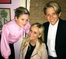 Reese Witherspoon y sus hijos