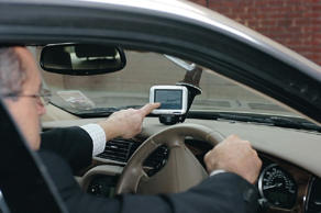 This is the law on having a sat nav on your car windscreen