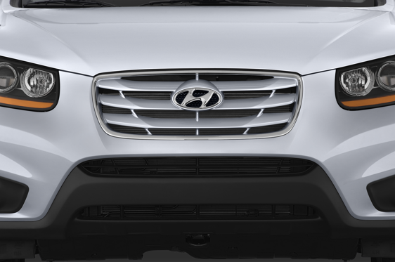 Slide 1 of 25: 2010 Hyundai Santa Fe