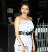 Salman's co star Bhagyashree's romantic date