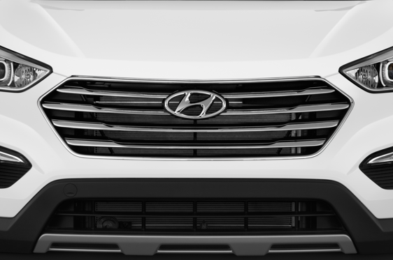 Slide 2 of 25: 2015 Hyundai Santa Fe