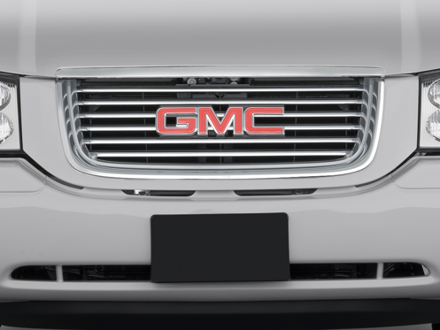 Slide 1 of 25: 2009 GMC Envoy