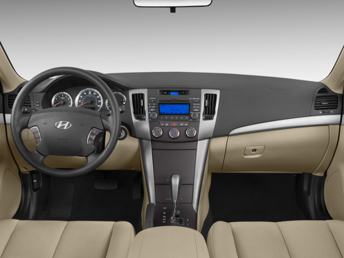 Slide 1 of 11: 2009 Hyundai Sonata