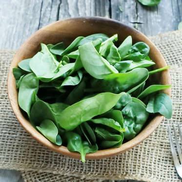 This dark, leafy green has a long list of benefits: it's a rich source of iron, folic acid, vitamin K, vitamin C, lutein, and powerful antioxidants that can help fight diseases like ovarian and breast cancer. Spinach is also loaded with magnesium, which can lower blood sugar and insulin levels (aiding your body in weight loss as a result), according to a 2013 study.<br><br>Make spinach the base of a nutrient-packed salad, use it to top pizza, mix into pasta, or sauté on its own with garlic and olive oil.