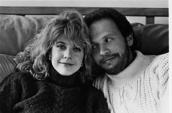 17 枚のスライドの 1 枚目: Meg Ryan and Billy Crystal pose for the movie 'When Harry Met Sally' circa 1989.