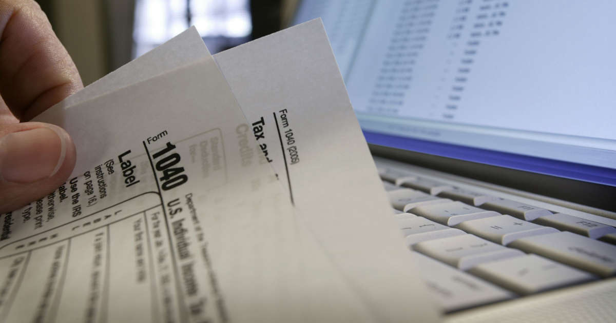When Are Your Taxes Due A Schedule And Primer For Filing For 2017