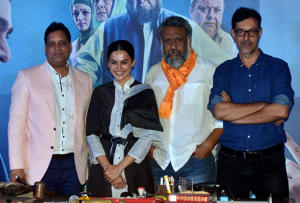 MUMBAI, INDIA-JULY 09: Anubhav Sinha, Taapsee Pannu and Rajat Kapoor at the trailer launch of their movie Mulk in Mumbai. (Photo by Milind Shelte/India Today Group/Getty Images)
