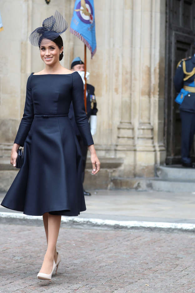 5d3d8cc286140 This one style is quickly becoming Meghan Markle's go-to fashion move