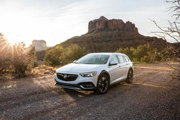 2019 Buick Regal Tourx Essence Awd Overview Msn Autos