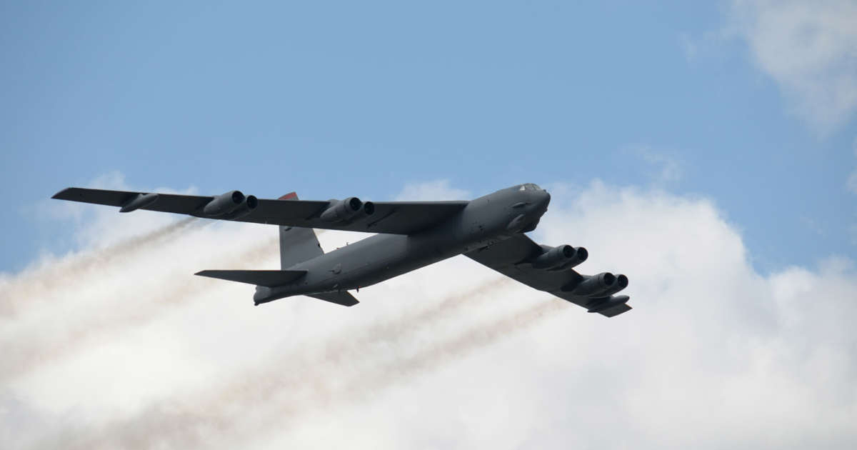 B-52 bombers to be part of U S  forces sent to Middle East