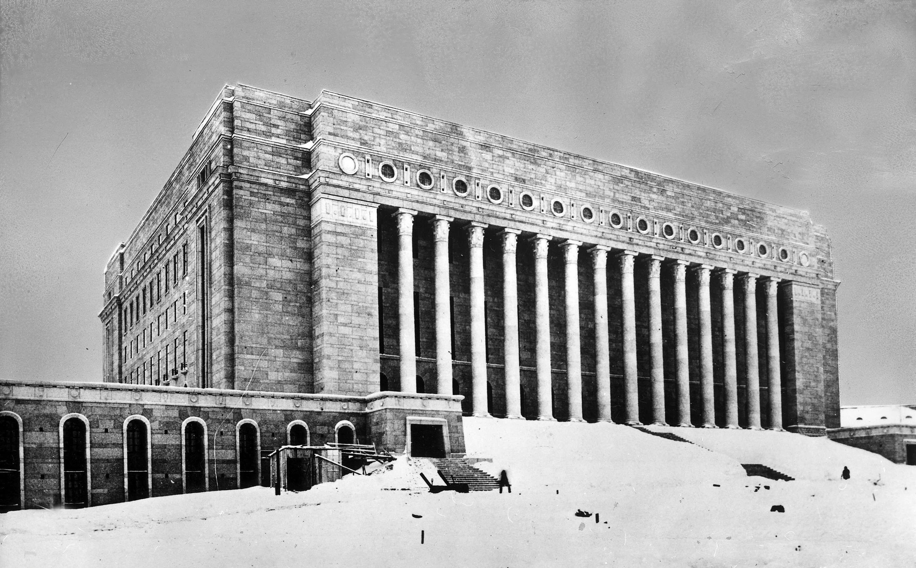 Slide 15 of 55: (Limited rights for certain editorial clients in Germany.) The Finnish Parliament Building in Helsinki. Architect: Siren1931 (Photo by ullstein bild / ullstein bild via Getty Images)