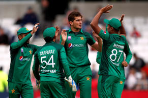Cricket - Fifth One Day International - England v Pakistan - Emerald Headingley, Headingley, Britain - May 19, 2019   Pakistan's Shaheen Shah Afridi celebrates with team mates after taking the wicket of England's Eoin Morgan   Action Images via Reuters/Andrew Boyers