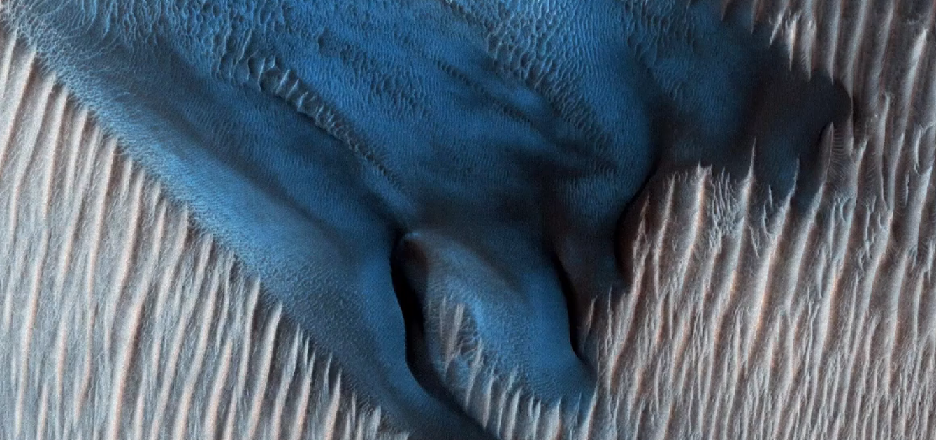 Sand on Mars moves in ways not seen on Earth