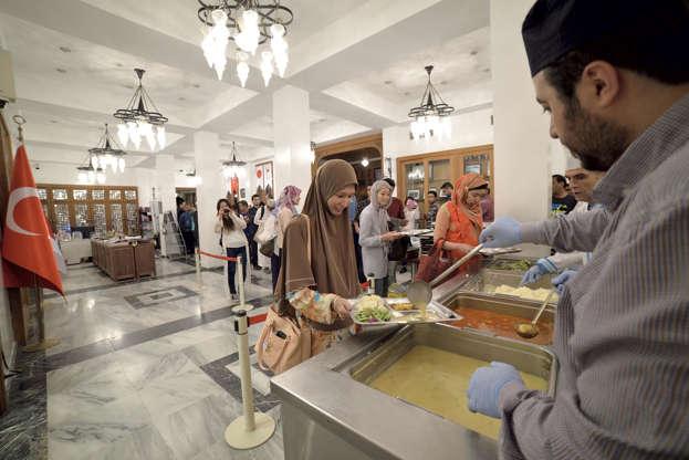 بالصور رمضان في كوكب اليابان - كم عدد المسلمين في اليابان AABrn1Q