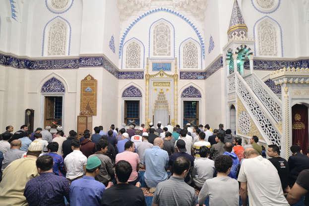 بالصور رمضان في كوكب اليابان - كم عدد المسلمين في اليابان AABrqD7