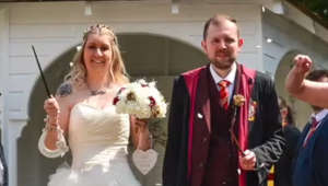 Couple has harry potter wedding complete with wands, owls and flying cars