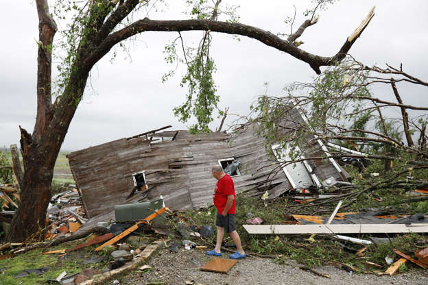 Tornadoes rip through parts of Ohio, tearing up homes and