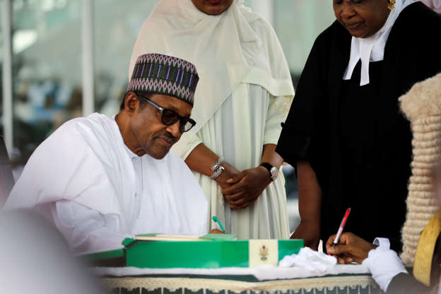 Buhari extends tenure of service chiefs