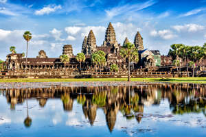 Cambodia landmark wallpaper - Angkor Wat with reflection in water