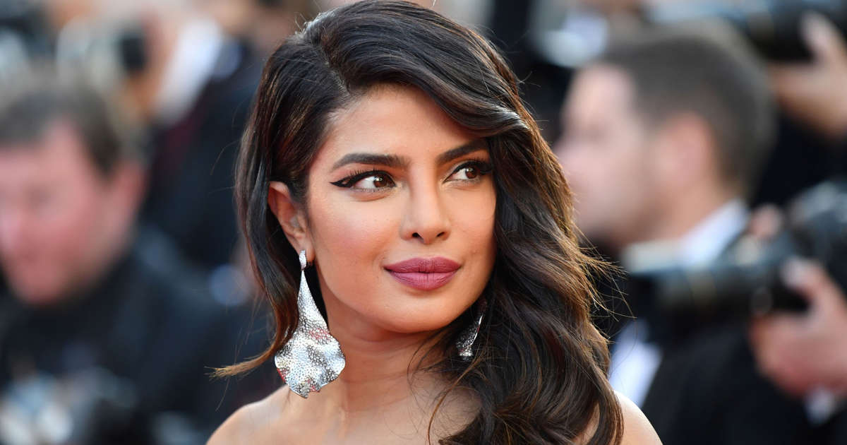 140f45d5973f8 Priyanka Chopra opens up about friend Meghan Markle, new sister-in-law  Sophie Turner and marriage to Nick in new Elle cover
