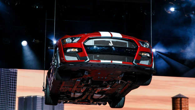 Ford Mustang Shelby GT500 Shows Its Details And 700++ HP Engine