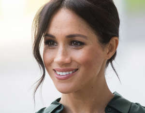 BOGNOR REGIS, UNITED KINGDOM - OCTOBER 03:  Meghan, Duchess of Sussex visits University of Chichester's Engineering and Digital Technology Park during an official visit to Sussex on October 3, 2018 in Bognor Regis, United Kingdom. The Duke and Duchess married on May 19th 2018 in Windsor and were conferred The Duke & Duchess of Sussex by The Queen.  The Duke and Duchess married on May 19th 2018 in Windsor and were conferred The Duke & Duchess of Sussex by The Queen.  (Photo by Samir Hussein/Samir Hussein/WireImage)