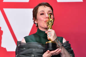 Best Actress winner for 'The Favourite' Olivia Colman poses in the press room with her Oscar during the 91st Annual Academy Awards at the Dolby Theater in Hollywood, California on February 24, 2019. (Photo by FREDERIC J. BROWN / AFP)        (Photo credit should read FREDERIC J. BROWN/AFP/Getty Images)