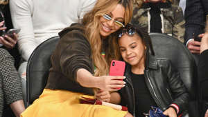 LOS ANGELES, CA - FEBRUARY 18:  Beyonce and Blue Ivy Carter attend the NBA All-Star Game 2018 at Staples Center on February 18, 2018 in Los Angeles, California.  (Photo by Allen Berezovsky/Getty Images)